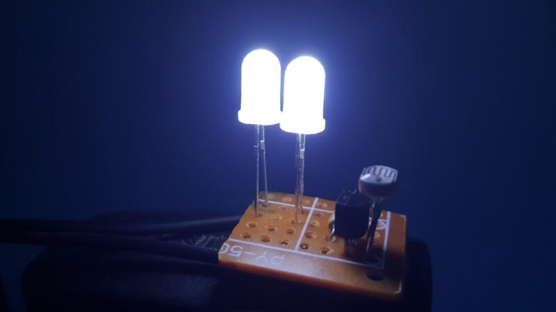 Chế đèn led đơn giản tại nhà